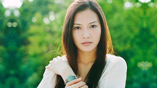 【yui】離婚の理由は結婚相手がブサイク?パニック障害や病気が原因?